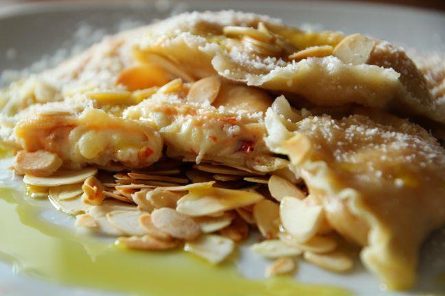 Ravioli mit Kartoffelcreme