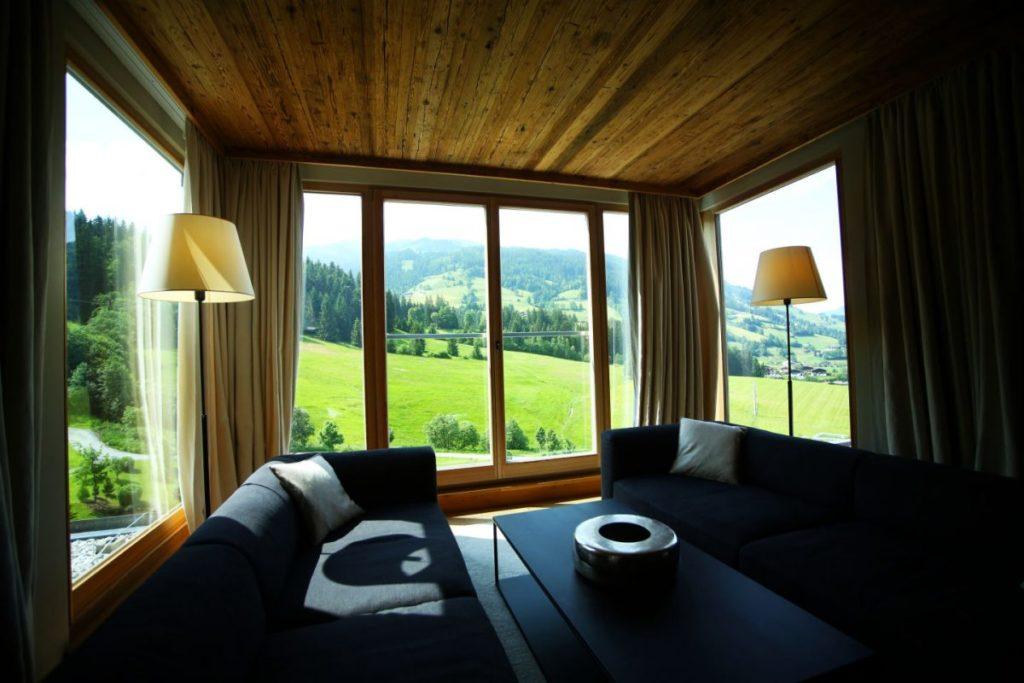 Sitznische der Penthouse Suite im Kempinski Das Tirol