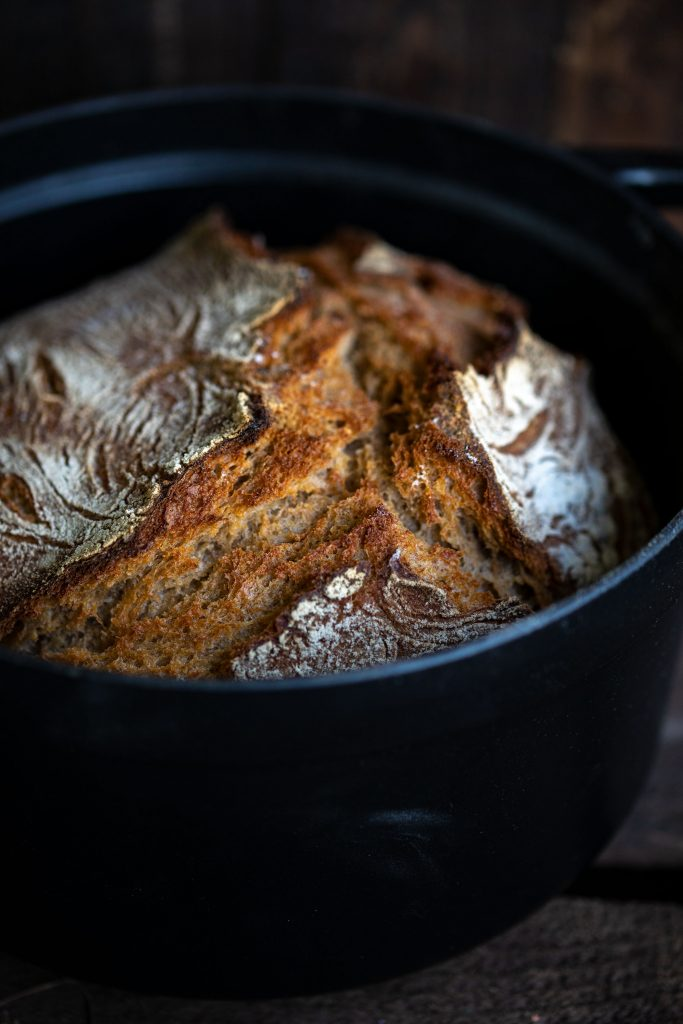 Sauerteigbrot im Topf gebacken