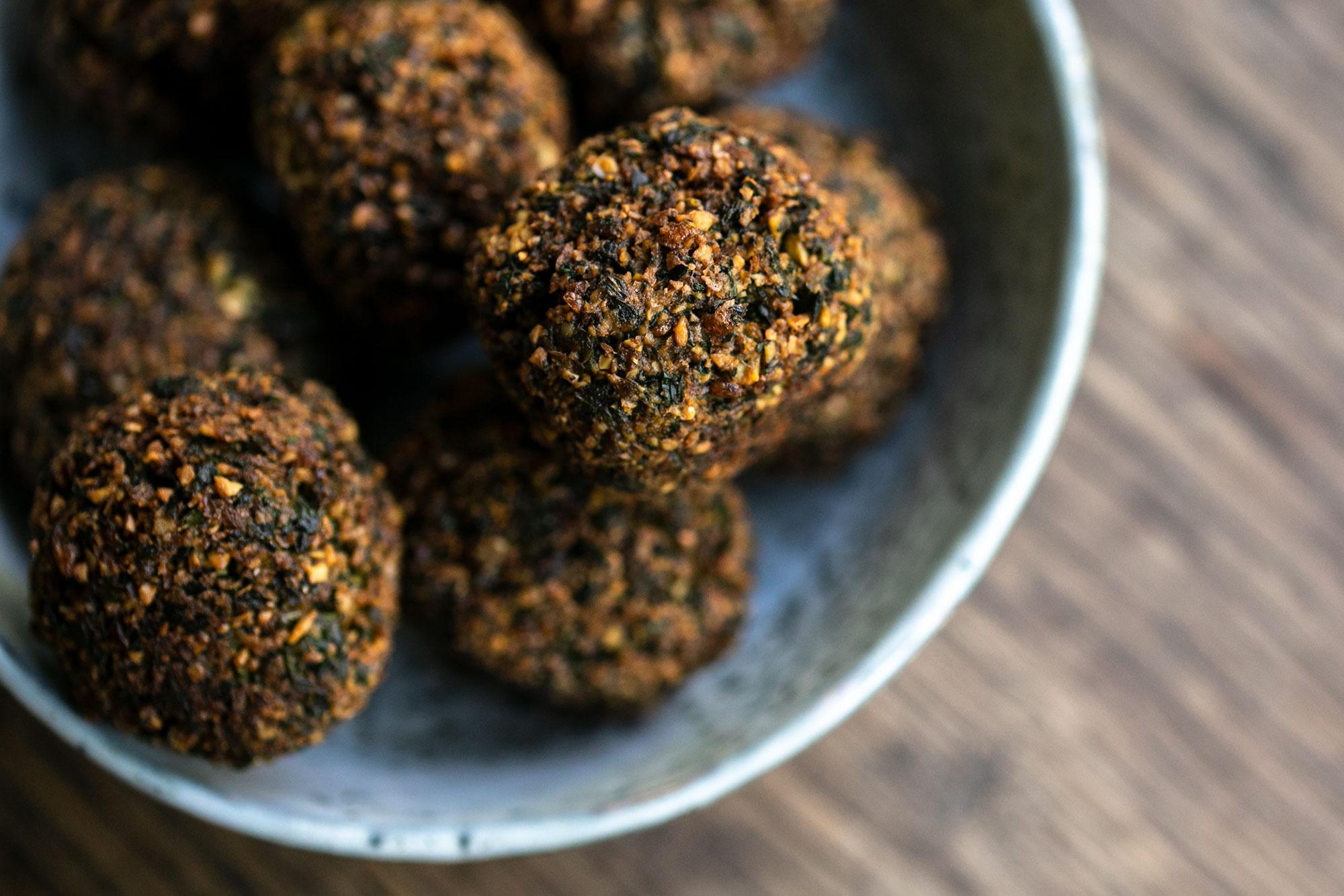 Falafel selber machen: Das Rezept für ultra knusprige Kichererbsenbällchen