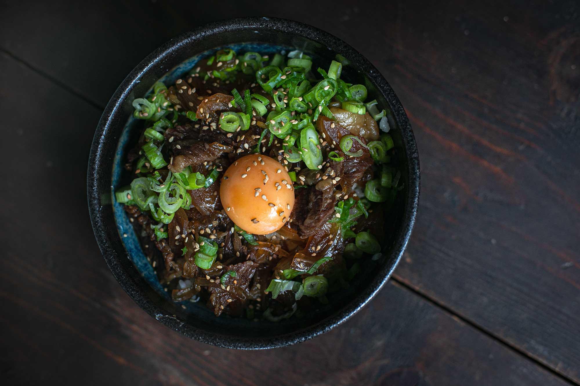 Gyudon: Rezept für die ultimative japanische Rindfleisch-Bowl